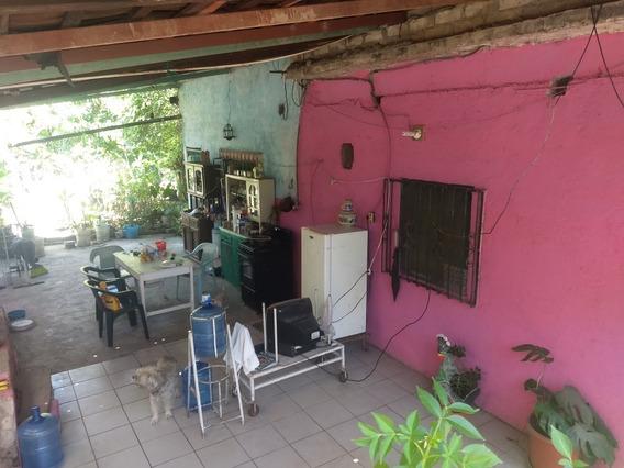 Terreno Con 2 Casas En El, Cada Habitación Su Baño Propio.