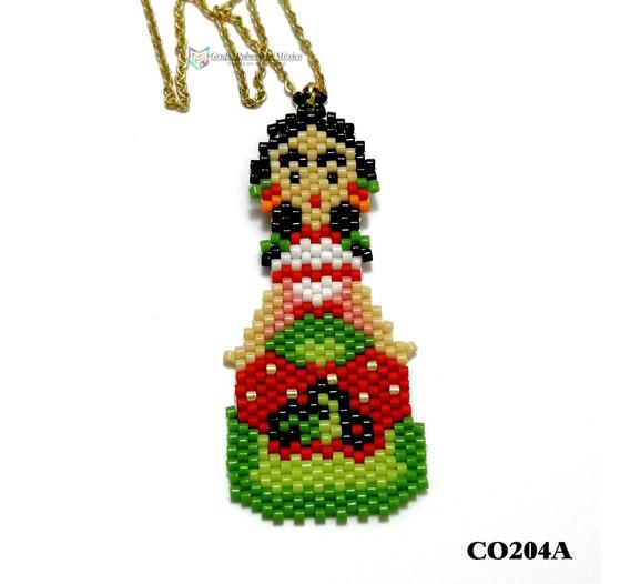 Collar Miyuki Frida-kahlo Traje Verde Acero Dorado