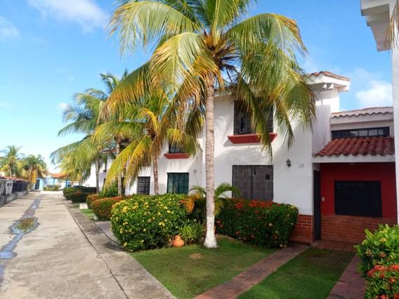 Rosaura Cortez Vende Townhouse Ciudad Flamingo Chichiriviche