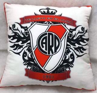 Almohadones River Plate
