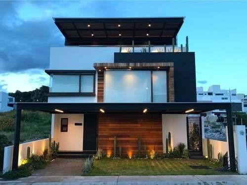 Preciosa Residencia En Lomas De Juriquilla, Única - Previa Cita
