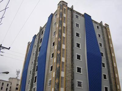 Apartamento En Venta En Av. Fzas Aereas Maracay Hecc 17-7884
