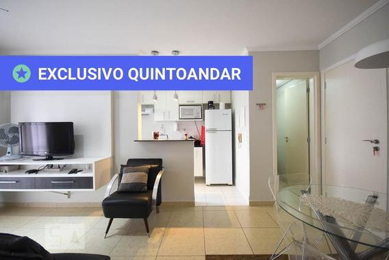 Apartamento No 3º Andar Mobiliado Com 1 Dormitório E 1 Garagem - Id: 892952590 - 252590