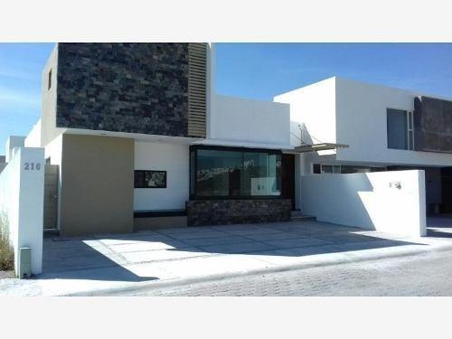 Casa En Venta En Fracc Pedregal De Vista Hermosa