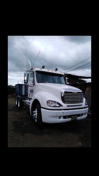 Vendo Tractomula Freightliner Modelo 2010 Perfecto Estado