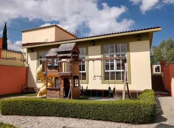 Casa En Venta Con Hermosos Acabados En Rinconada San Mateo