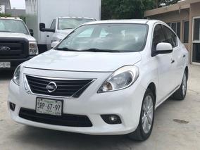 Nissan Versa 1.6 Exclusive At Sedán
