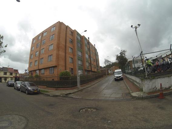 Apartamento En Venta La Campiña Suba 19-240