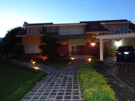 Casa En Venta En Urb. El Solar Guataparo Jj