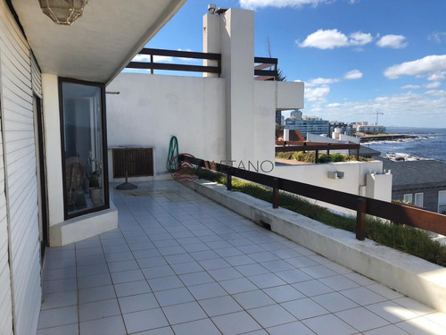 Apartamento En Punta Del Este, Peninsula- Ref: 2535