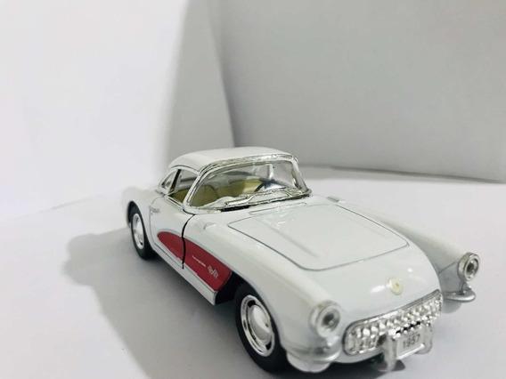 Miniatura Corvette Branco Com Detalhe Vermelho Escala 1/32