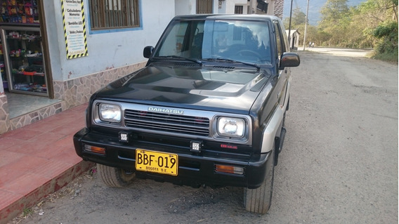 Campero Cabinado 4x4 Perfecto Estado Color Negro-plata 1600