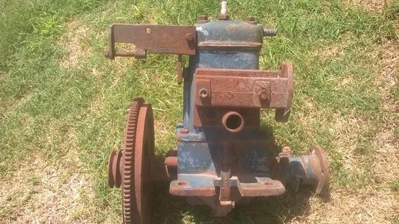 Antiguo Motor Estacionario O Chalana
