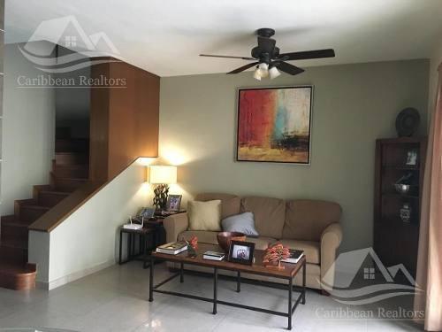 Casa En Venta En Cancún Centro / Quinta Madeira