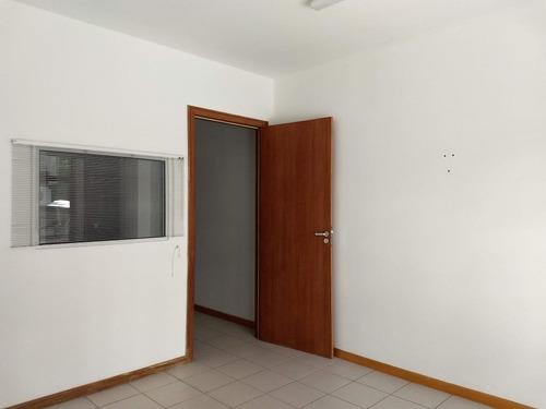 Imagem 1 de 14 de Sala Comercial De 32m² No Centro Da Cidade - Sa0744