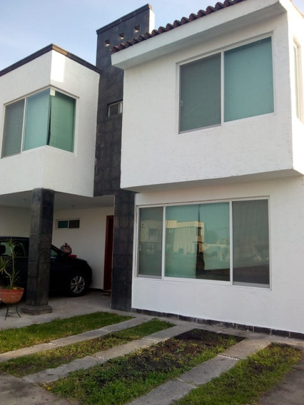 Casa En Venta , Privada Hda. San Gabriel 4 Rec 2.5 Baños