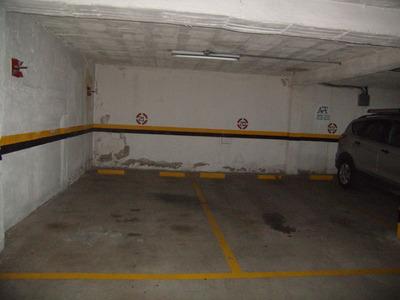 Estacionamientos En Orellana Y Coruña, Quito En Alquiler