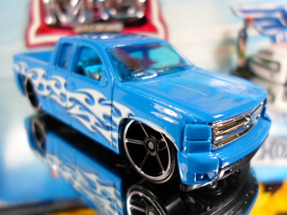 Hot Wheels Chevy Silverado Pickup 132/2014 Lacrado/blister
