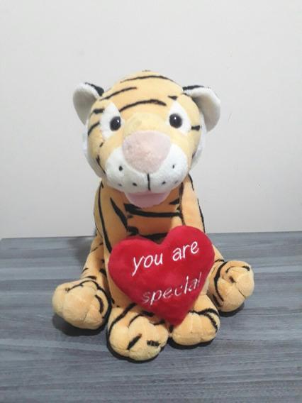 Tigre De Pelúcia Tamanho Pequeno
