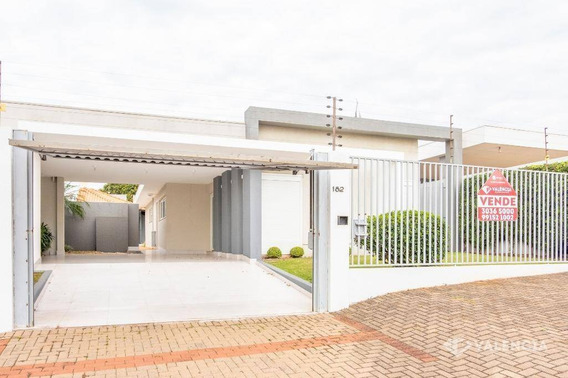 Casa No Centro, Com Piscina, 3 Quartos, Alto Padrão, Em Cascavel/pr - Ca0196