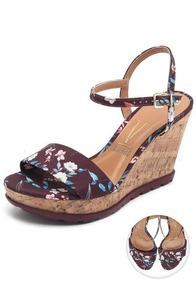 7c2fc51705 Sandalia Anabela Florida Vermelha Vizzano - Sapatos no Mercado Livre ...