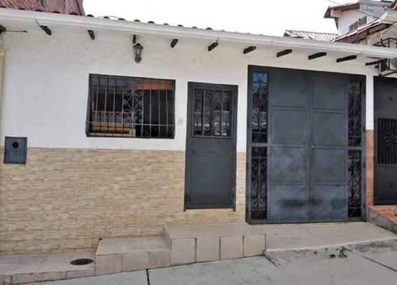 Casa Urbanizacion Las Tinajitas Palo Gordo