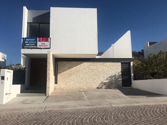 Preciosa Residencia De Autor En Lomas De Juriquilla, 3 Recámaras, Jardín, Lujo
