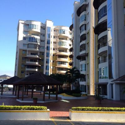 Venta De Apartamento Amueblado En Torre Exclusiva Santiago