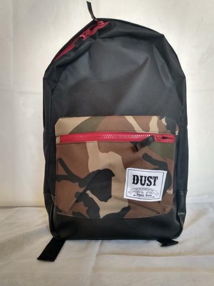 Mochila Dust Desert Black + Bolsillo Camuflado