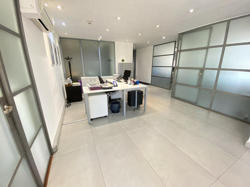 Oficina En Venta O Alquiler - Centro, Av Corrientes -  3 Cocheras 670m2, Posibilidad De Dividir