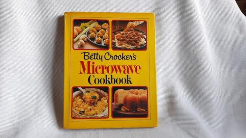 Imagen 1 de 10 de Microwave Cook Book Betty Crocker Random House