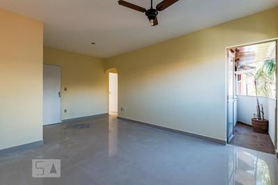 Apartamento No 1º Andar Com 3 Dormitórios E 1 Garagem - Id: 892844257 - 144257