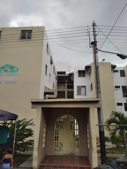 Apartamento En Venta En Piñonal- El Trebol 04128900222
