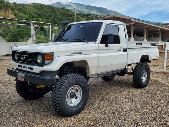 Toyota Macho Pick-up Fj75