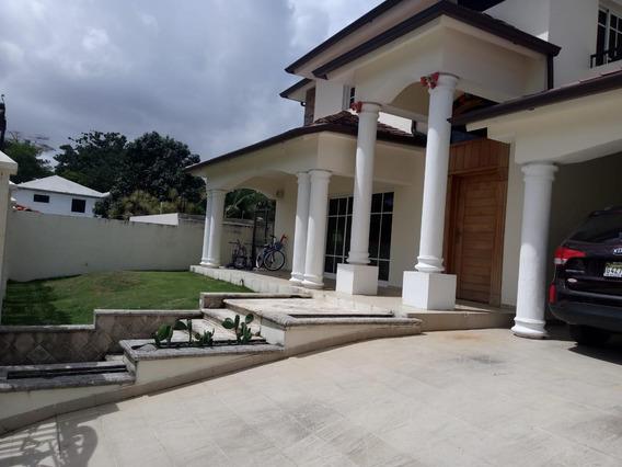 Casa De 4 Habitaciones En Alameda Este En Alquiler Y Venta