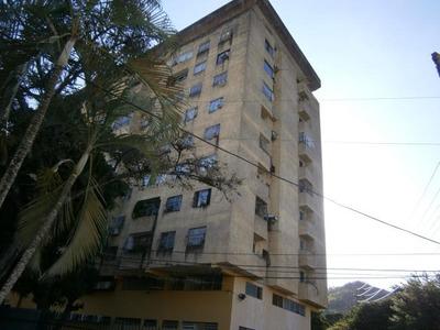 Gustavo Zavala Apartamento En Venta Los Colorados 18-16596