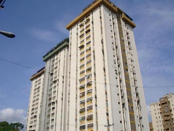 Patricia Molvinni Vende Apartamento Parque Aragua # 20-12278