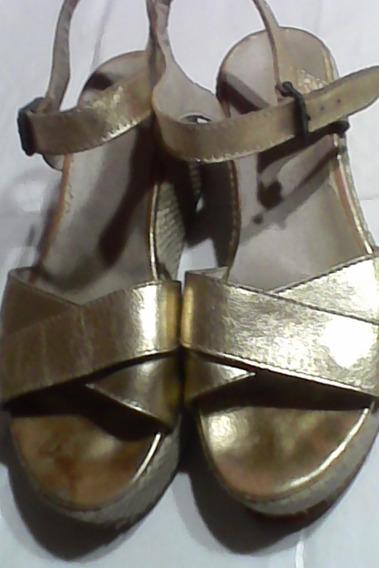 Sandalias Cuero En Color Oro Con Plataforma Yute Entretejido
