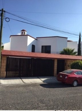 Casa En Venta Privada Juriquilla // Rcv180604-nv