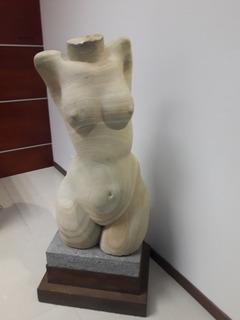 Magnifica Escultura De Angel Lara Jr.