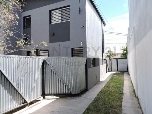 Imagen 1 de 10 de Duplex A Estrenar 2 Dormi, Cochera Y Patio En  Av  Montevideo Y Av 66, Berisso