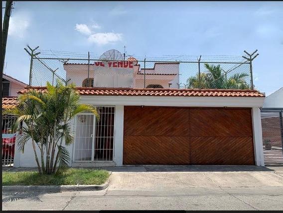 Casa En Venta En Jardines De La Patria, Lomas Altas, Zapopan, Jalisco