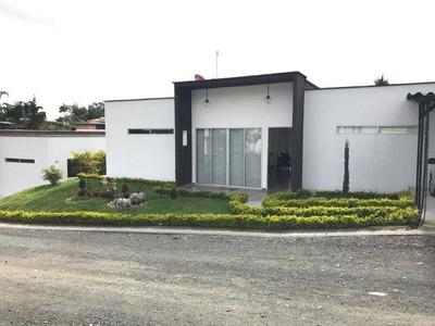 Se Vende Hermosa Casa Campestre En Santa Rosa
