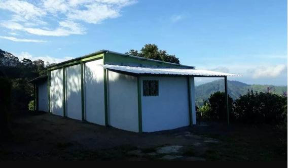 Grande Finca Con Casa Nueva, Vista Hermosa Y Arroyo Y Guadua