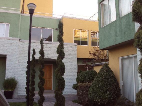 Casa En Excelente Ubicación, A 3 Min De La Autopista Mex-qro