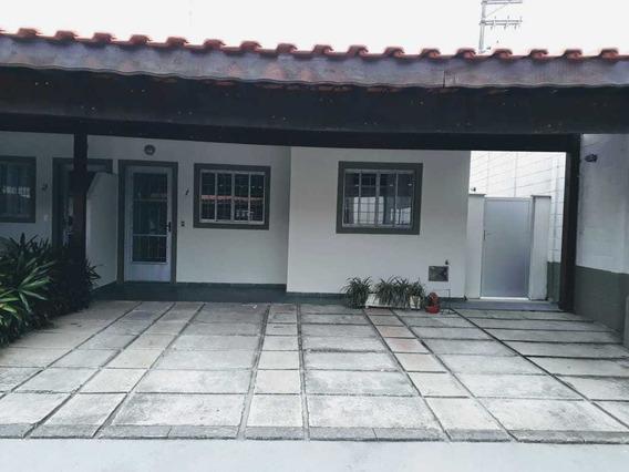 Casa Condomínio Itaqua