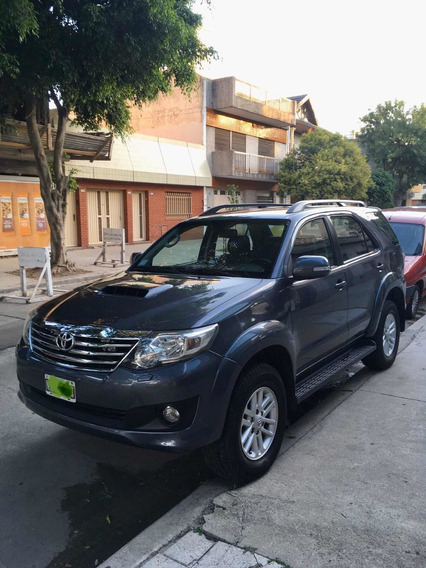 Toyota Sw4 3.0 4x4 At 7 Asientos Cuero Permuto Hilux Srx Srv
