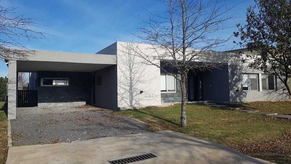 Moderna Casa En Barrio Cerrado Sausalito