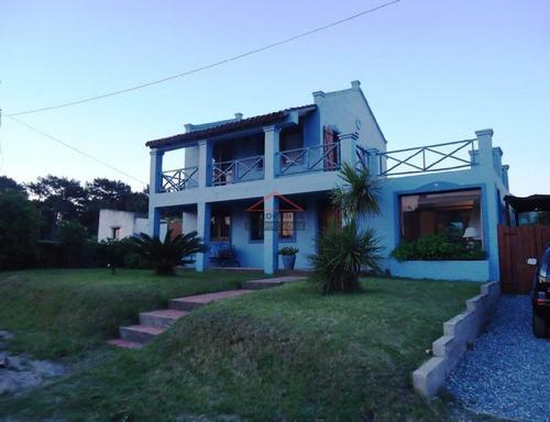 Casa En La Barra, 3 Dormitorios *- Ref: 4136