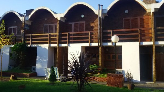 Duplex P/ 6 Personas C/ Cochera Cubierta Y Parque.